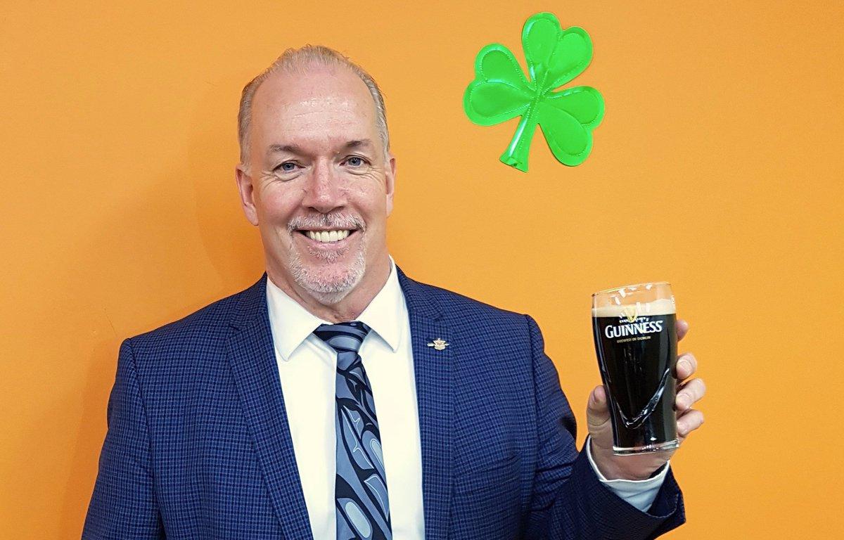 'Golf with John' NDP fundraiser irks Weaver
