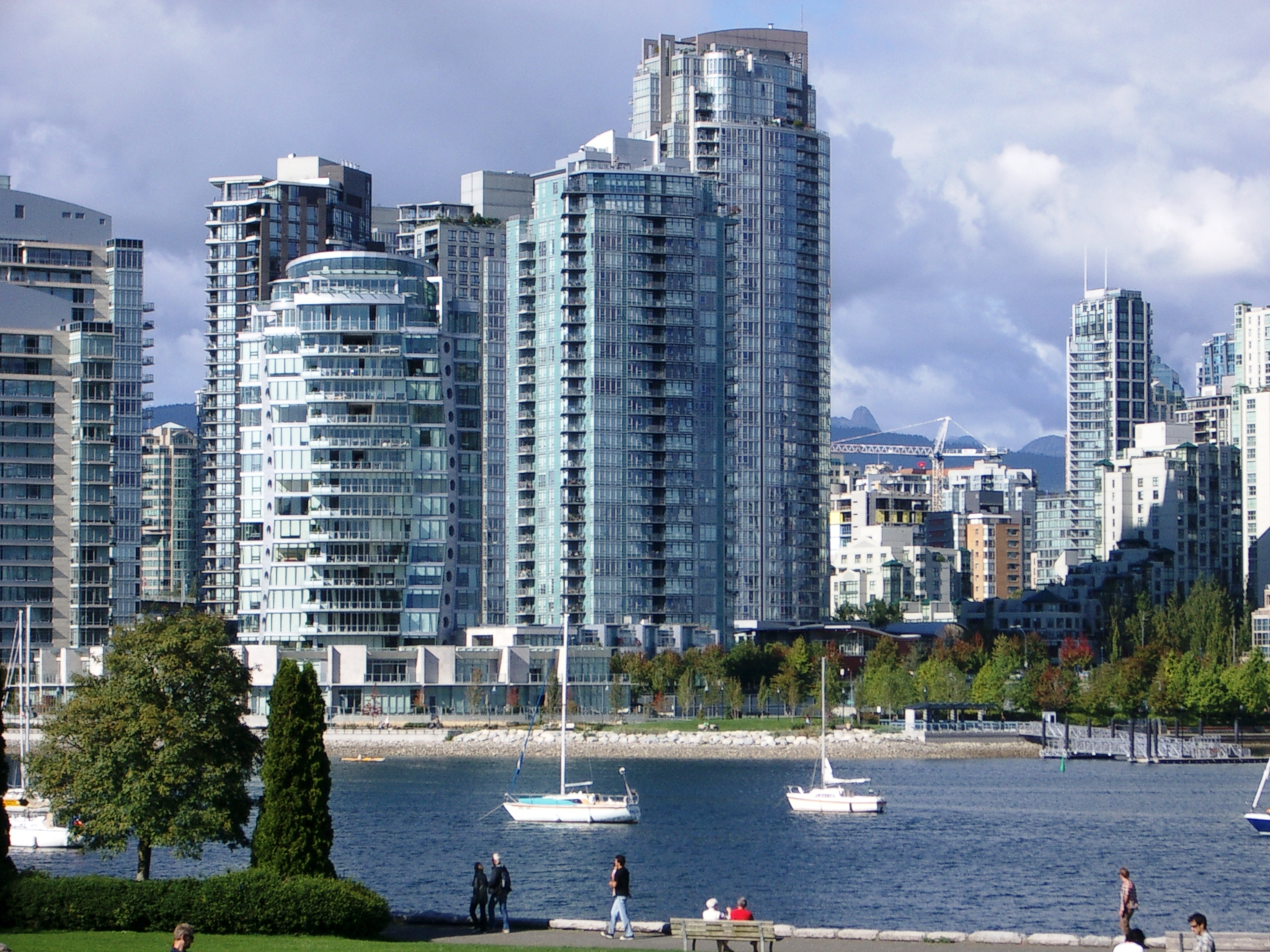 VANCOUVERITES WORRIED ABOUT LOSING RENTAL PROPERTIES TO AIRBNB