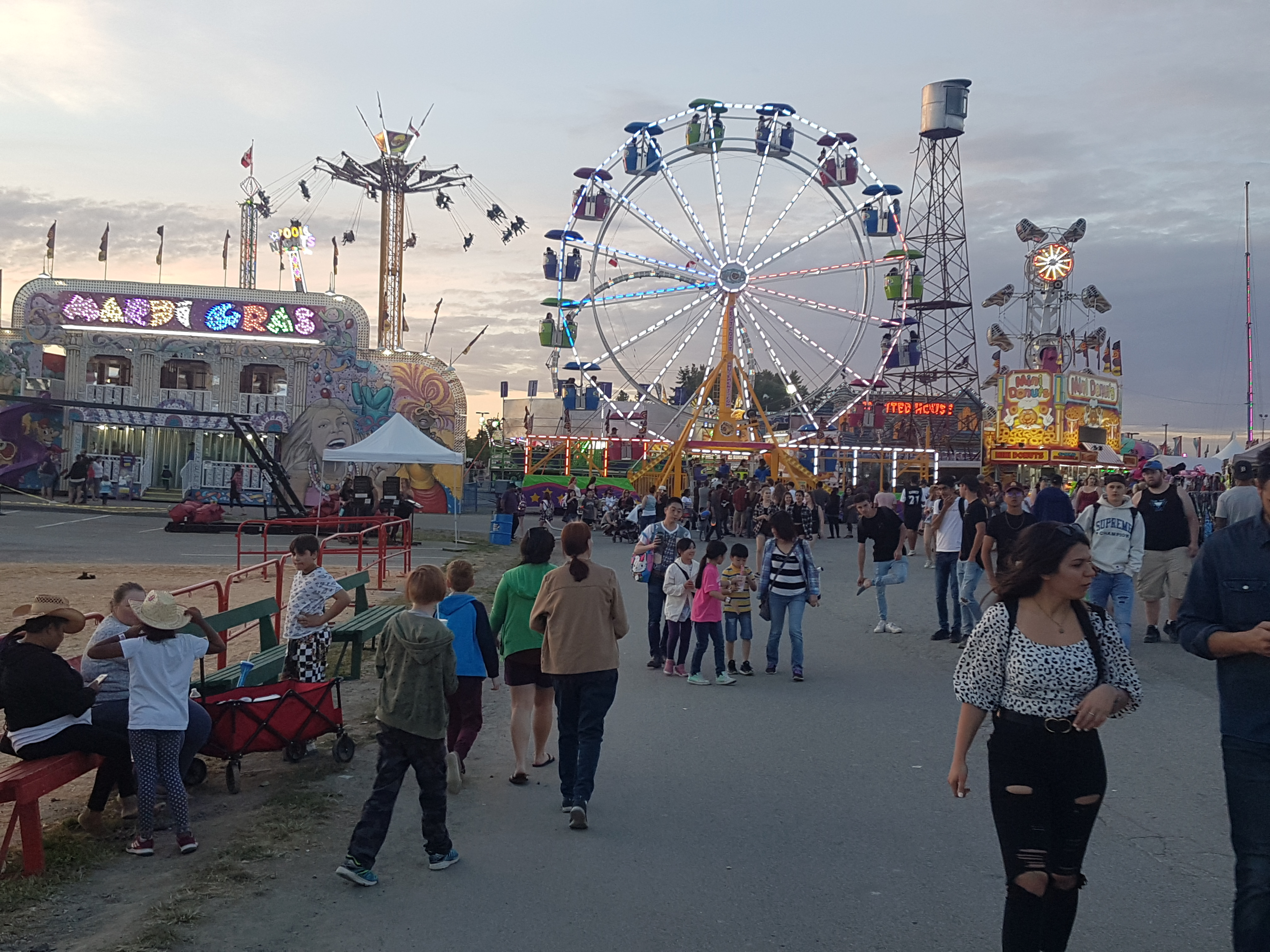 4-Day Rodeo & Country Fair Brings in Big Crowds in Cloverdale