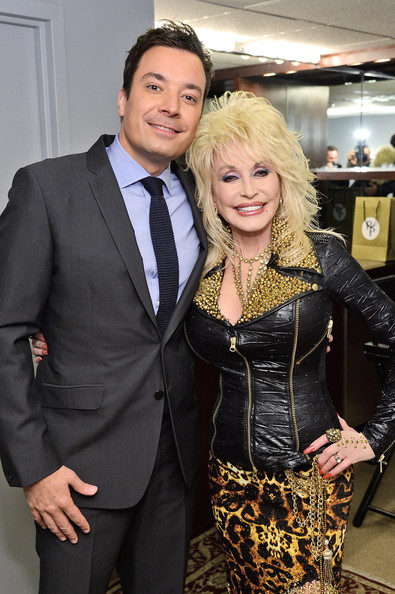 Dolly Parton and Jimmy Fallon SING 'All I Want For Christmas Is you'